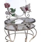 Туалетный столик с зеркалом – оазис красоты в вашей спальне