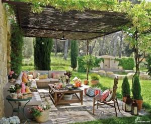 Терраса к дому — открытое пространство для отдыха