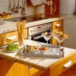 Реальные и практичные идеи, как обустроить маленькую кухню