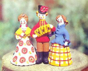 Дымковская игрушка — яркие фигурки из глины