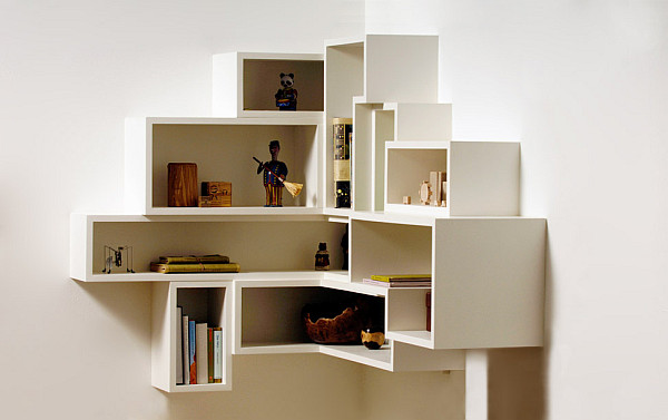 Полочка для книг из дерева фото
