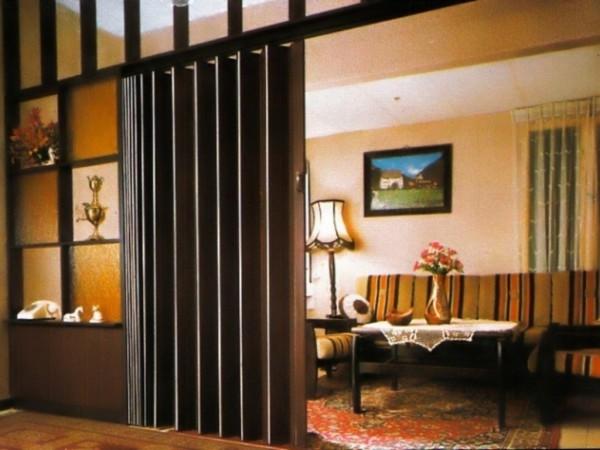 двери межкомнатные гармошка
