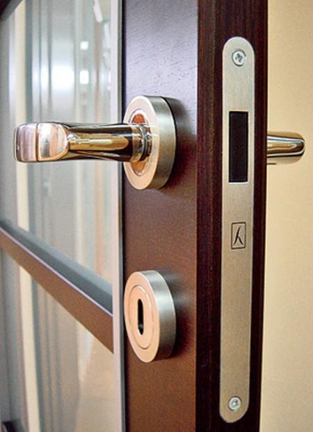 dvernye-ruchki-dlya-mezhkomnatnyh-dverei-6
