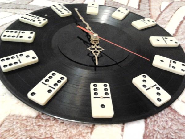 Часы своими руками из виниловых пластинок