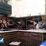 Стеклянные скинали для кухни: практичное и красивое решение