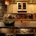 Удачные материалы для отделки стен на кухне