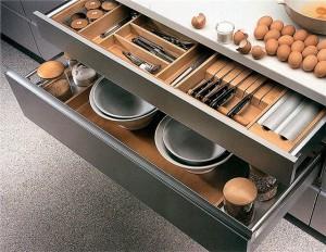 Современная кухонная мебель для маленькой кухни
