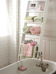 Полочки для ванной комнаты — назначение, материалы, дизайн